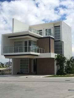 HOUSE AND LOT FOR SALE IN MAHOGANY PLACE 3 ACACIA ESTATES TAGUIG