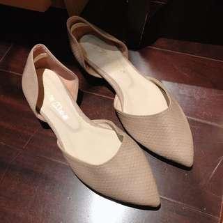 🚚 尖頭裸色平底鞋 8成新