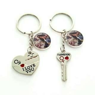🚚 Customized couple heart and key keychains