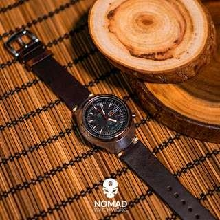 🚚 Premium Vintage Leather Strap in Oil Waxed Brown (Available in 18, 20 and 22mm)