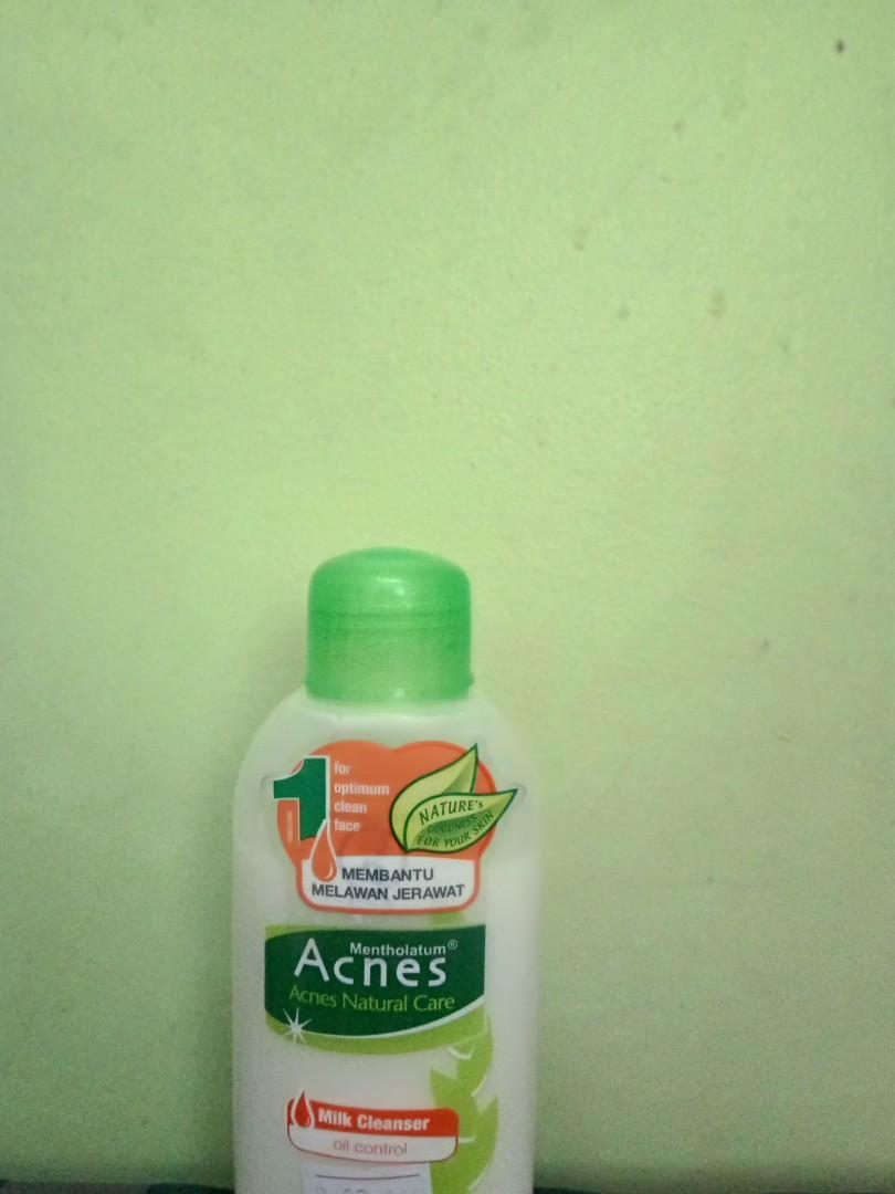 Acnes Milk Cleanser Oil Control