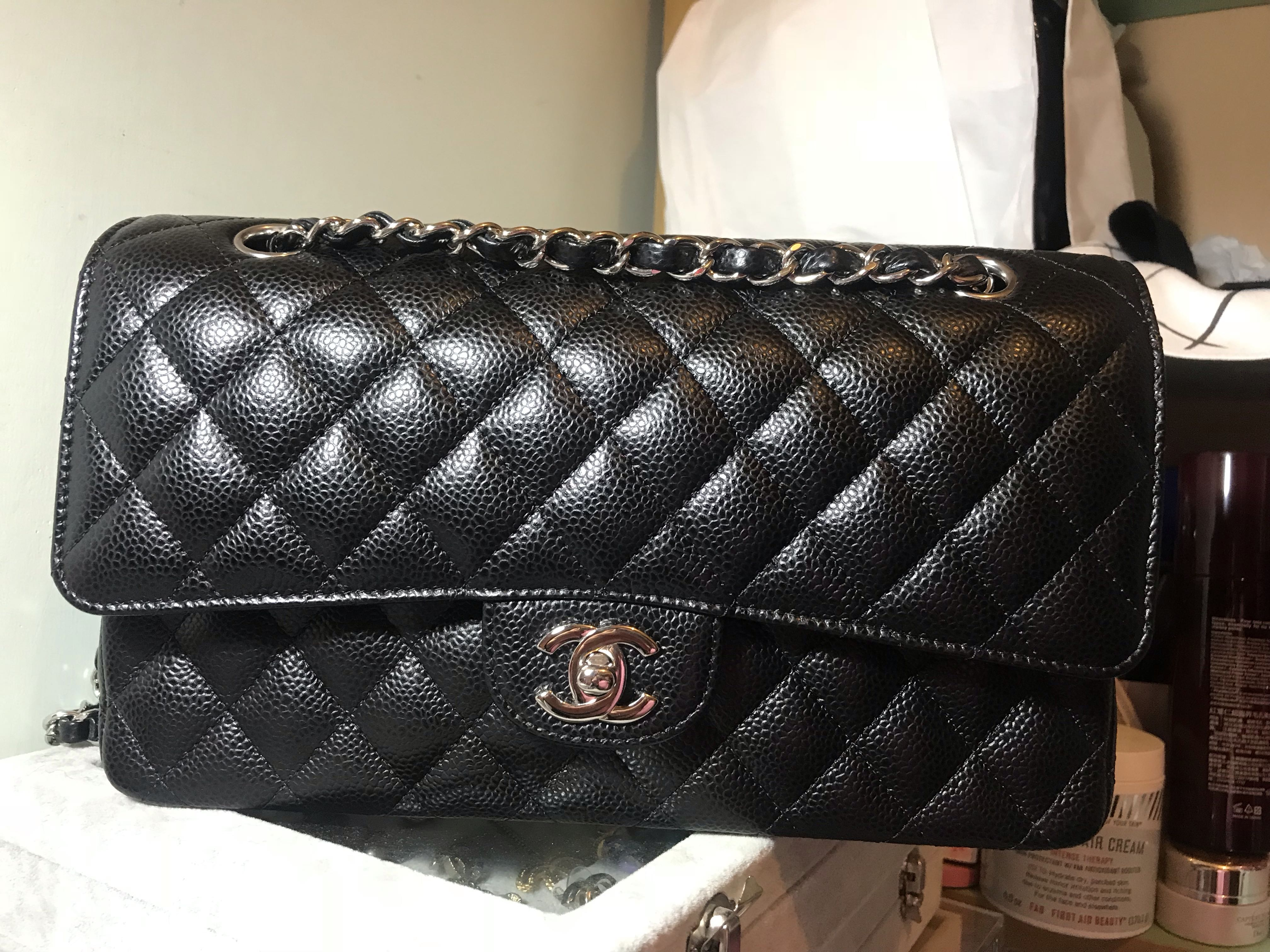481d55a81b55 Chanel Classic Caviar Medium SHW, Luxury, Bags & Wallets on Carousell