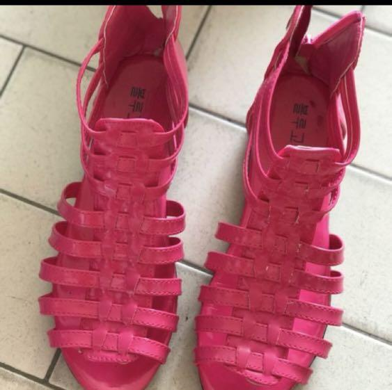Dark Pink Girl Shoe, Women's Fashion