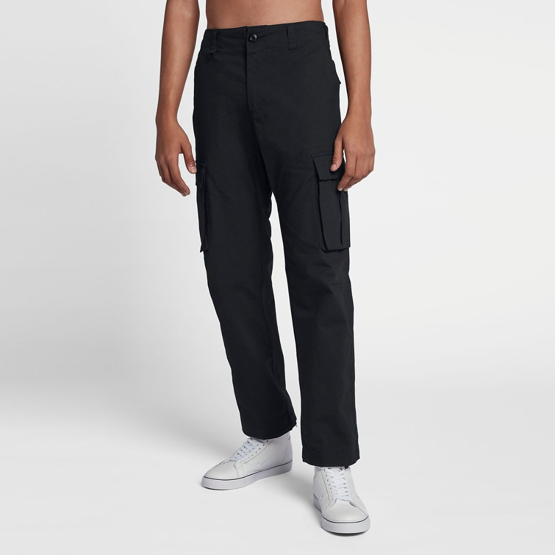 11fb8290d44 Nike SB Flex Cargo Pants Black Size 34, Men's Fashion, Clothes, Bottoms on  Carousell