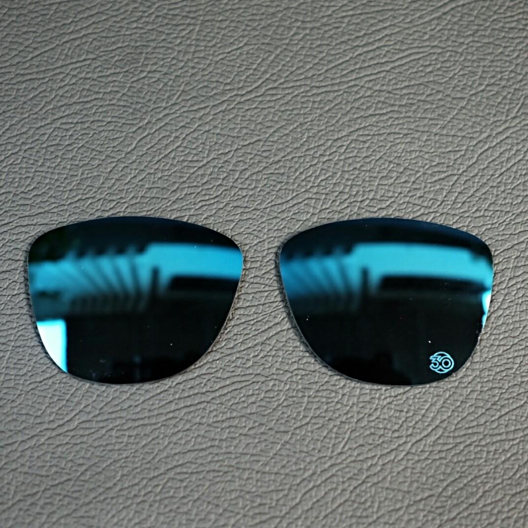 29feab0ecc10c Original lensa kacamata Oakley Frogskins ice blue iridium etching 30 th  heritage, Men s Fashion, Men s Accessories, Eyewear   Sunglasses on  Carousell