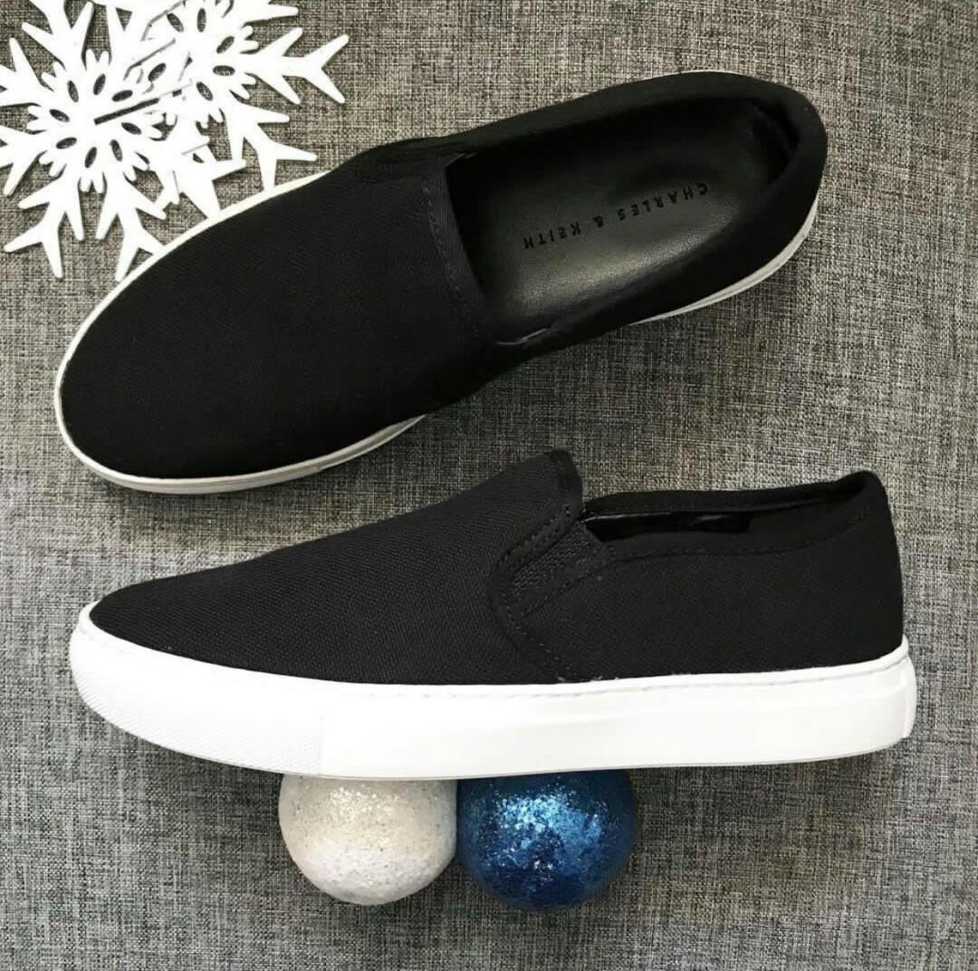 Sepatu CHARLES   KEITH Authentic Branded Import Wanita Cewek Cantik ORI  ORIGINAL SALE OBRAL MURAH 017d072ae1