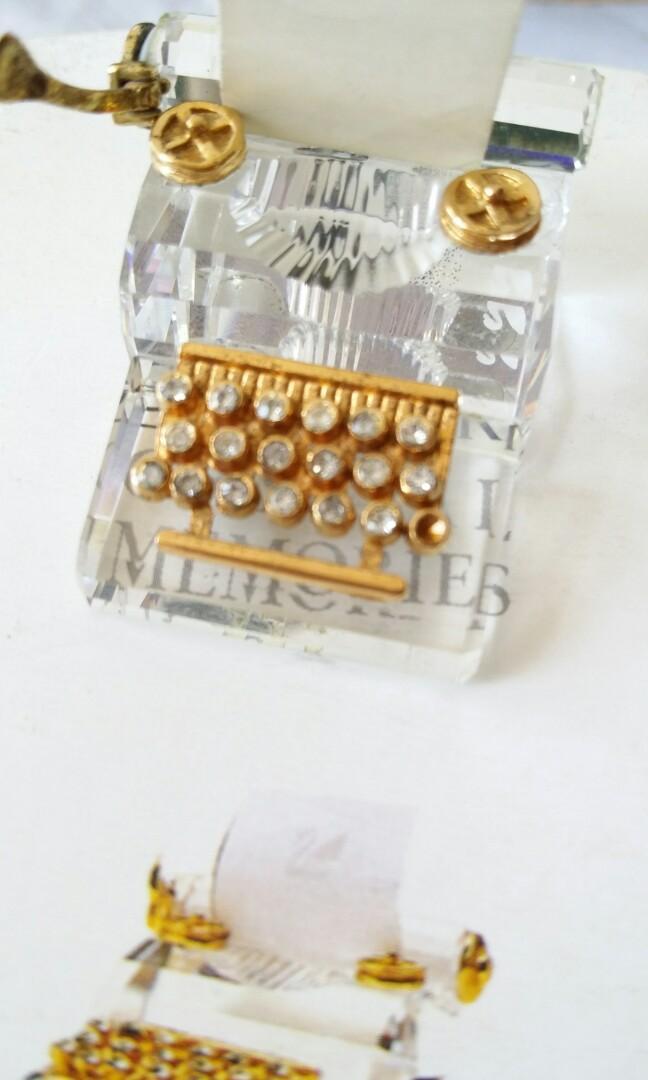 Swarovski 古董打字機