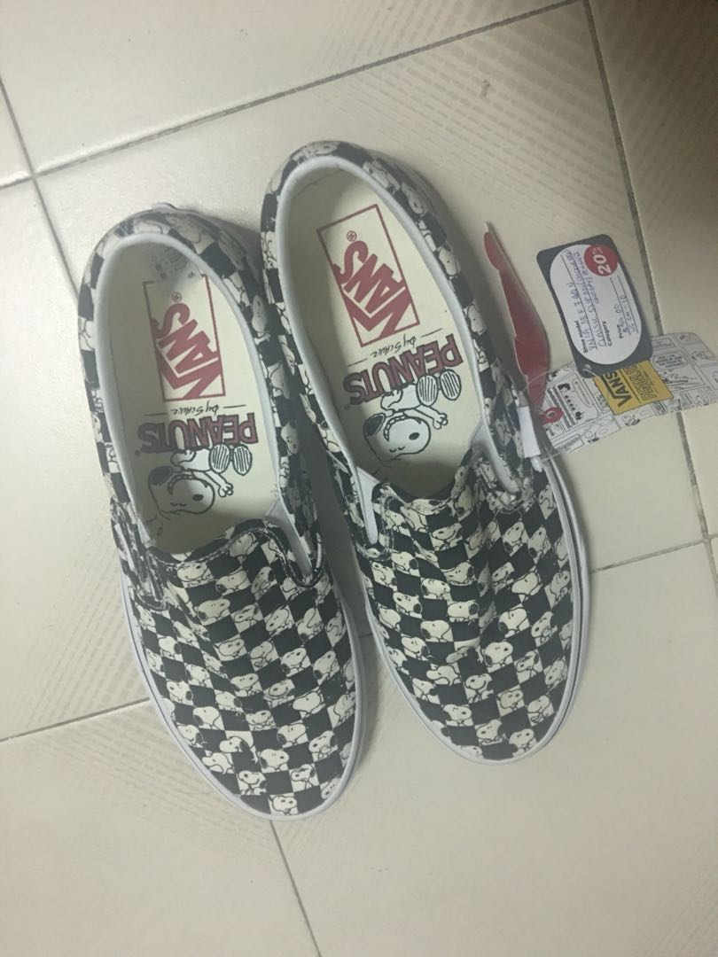 3697d0759184 Vans snoopy limited edition