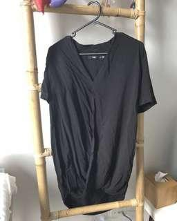 Black Sportsgirl Shirt. Fit Size 8-10