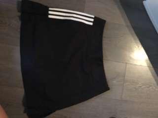 Adidas skort, size S