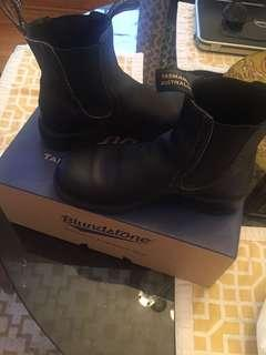 "Blundstone ""Girlfriend"" boots"