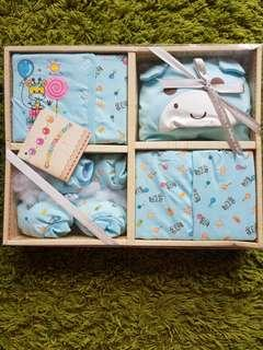 Priced Reduced ! Baby Gift Set