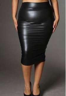 Plus size skirt fits amazing faux leather