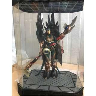 Total Chaos Series 2: Goddess With Display Case