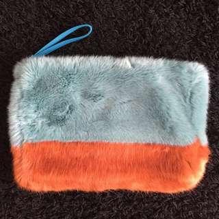 #paydaymaret ZARA Fur Wristlet