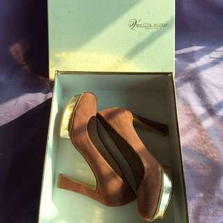 I.T. High Heels