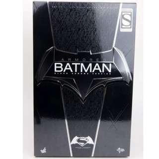 MMS 356 BATMAN VS SUPERMAN : DOJ – ARMORED BATMAN (BLACK CHROME)