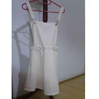 🚚 白色吊帶裙