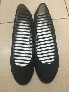 🚚 黑色增高鞋