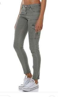 🍃All About Eve Skinny Leg Khaki Cargo Pant Jeans 6 🍂