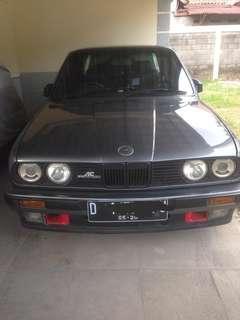 BMW 318i M40