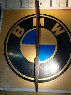 早期原住民狩獵刀~(鏢)~鐵的部分長42公分含杆總長99公分~