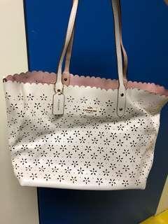 Coach 白色通花袋 tote bag