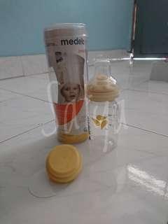 Medela calma nipple and bottle set