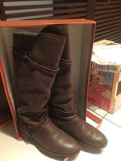 🚚 咖啡色長靴