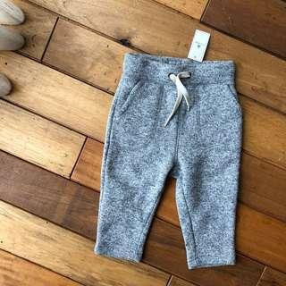🚚 Babygap 棉質灰色運動長褲(內刷毛)(12-18個月)