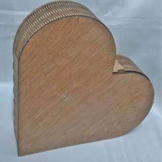 Wooden heart organizer