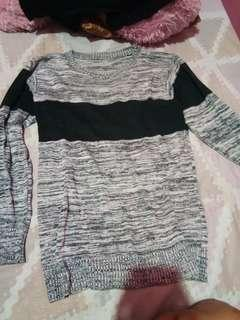 Sweater abu rajut