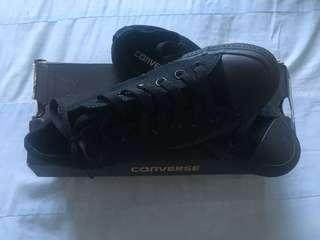 Converse - Low cut (Black)