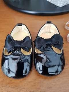 H&M black shoes with bow