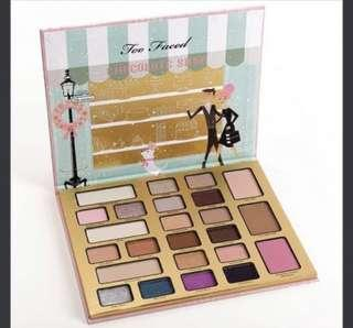 Too Faced Christmas in New York The Chocolate Shop Cocoa Powder Infused Eyeshadow Palette