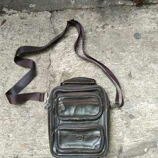 Tas sling bag Jeep original leather kondisi 90%