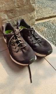 Nike air zoom pegasus (Sepatu Running)