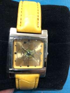 BRAND NEW WITH TAG! Official Disney Licensed Cute Winnie the Pooh Yellow Leather Strap Watch