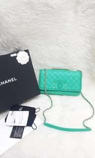 Authentic chanel cav green like new