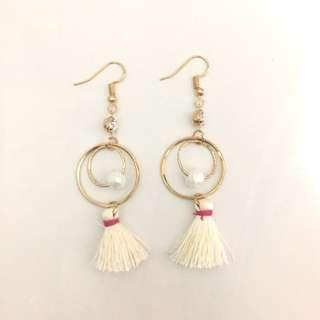 Anting panjang / pesta putih (long earrings)
