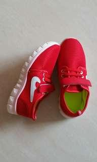 Brand new kid's shoes @ S$10