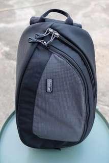 Think tank one shoulder camera bag