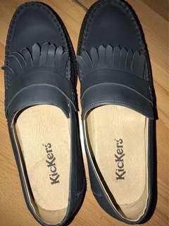 Kickers size 41