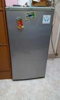 Sanyo mini fridge