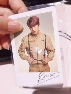 Park woojin wanna one world tour polaroid
