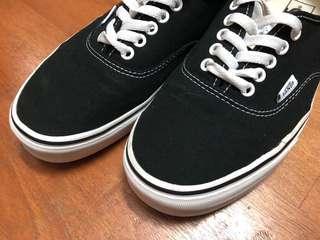 🚚 Vans authentic black US9.5