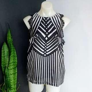 Women's size 12 'SPICY SUGAR' Stunning Black & white geometric print top- AS NEW