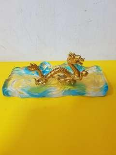 Risis Dragon With Crystal Base (10cm)