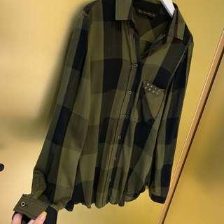 🚚 ZARA 舒適面料軍綠格子襯衫