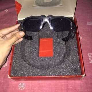 Bluetooth Earphones in Shades/Sunglasses